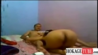 Japanese Pinay na flight steward kinantot ng Fuckbuddy sa Room