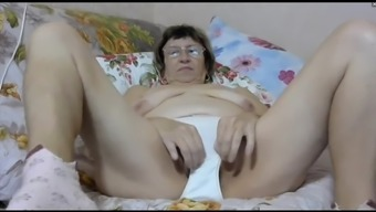 granny steph flashing panties (cam)