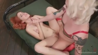 ts isabella sorrenti flies off her latex military even and fucks amarna miller