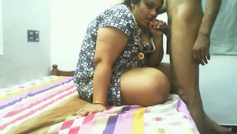 Super chubby Indian bitch gives outstanding blowjob upon the mattress