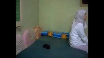 Hijab dishonest arab Wifey rectum kapali arkadan
