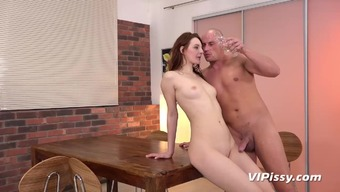 Kinky Ariadna treats her adult man to effectively hardcore wee use