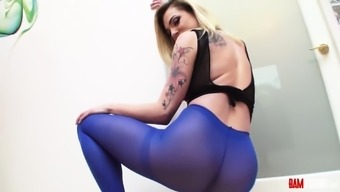 Nothing more accepted than the love in pantyhose. Dahlia Surroundings is