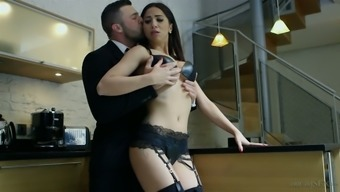 Stunning beauty Julia Onze Lucia is often starving for ejaculate