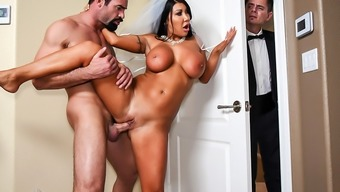 Brazzers – Capture The Bridal garter Buckle, Fuck The Soon to be bride