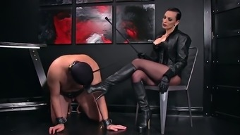 Femdomlady and Bootlicking Male Machine
