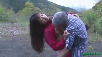 Far eastern Date Getting Her Pussy Licked And Fucked By Old Mankind Sperm To actually Stupid ass Outdoor adventure At