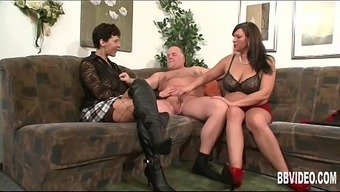German milfs fucking a perverted hunk