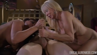 Malicious cock-suckers Claudia Valentine and Erica Lauren inside a threeway
