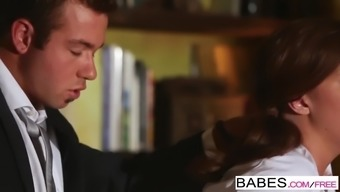 Women - Place of work Passion - Chad White and Maddy OReilly - He