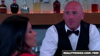 RealityKings - CFNM Undisclosed - Dani Daniels Johnny Infringement Romi R