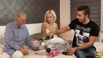 Gorgeous blonde embarks morning intercourse with the use of striking father