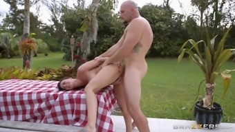 rachel starr leaned on the table and got pounded by jmac