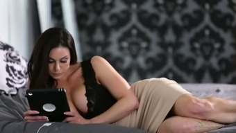 Fascinating seductress Kendra Lust is having intercourse with her new lover