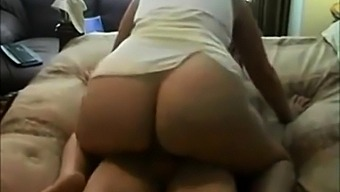 Curvy mom on homemade quickie