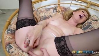 EuropeMaturE More aged Age Female Solo Striptease